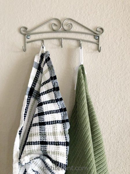 Easy to Sew Towel Hanging Loops Tutorial: finally, hang your towels!