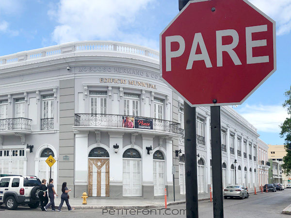 Stop sign in Ponce, Puerto Rico for for 7 surprising facts about Puerto Rico